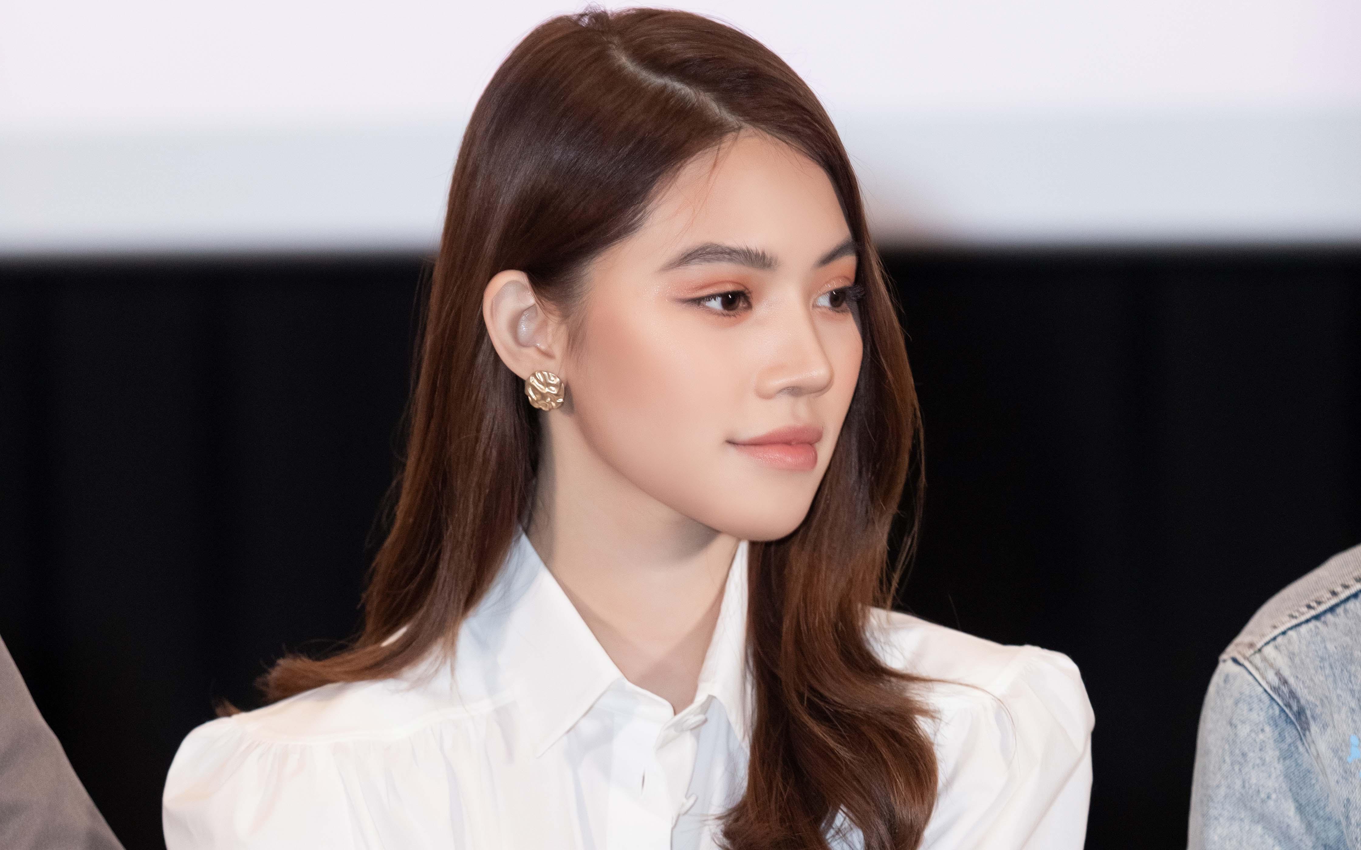 Jolie Nguyễn gần đây nhất đóng vai rich kid, mặc toàn đồ hiệu sang chảnh và đố khán giả đếm số trang phục mình mặc