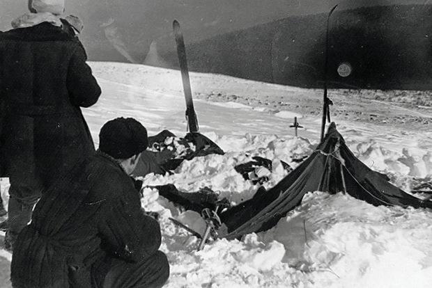 9 người chết trên đường trekking đến ngọn núi có tên như điềm báo, thi thể đầy rẫy vết thương nghi bị người ngoài hành tinh giết, sự thật là gì? - Ảnh 6.