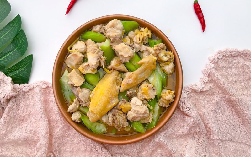 Bữa tối thèm thịt mà ngại dầu mỡ thì thử ngay món gà hấp mướp siêu ngon này
