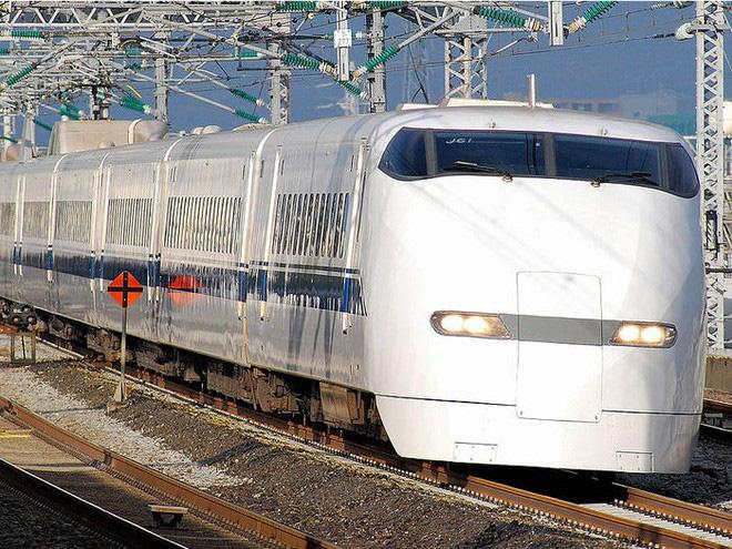 Cùng nhìn lại lịch sử hoạt động của tàu siêu tốc Shinkansen, niềm tự hào Nhật Bản với phiên bản mới nhất có thể chạy ngon ơ ngay cả khi động đất - Ảnh 23.