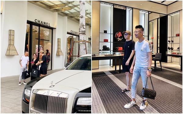 Đại gia Minh Nhựa cùng con gái lái 2 chiếc siêu xe trị giá hàng chục tỷ đồng chạy thẳng tới cửa hàng Chanel quận 1 mua quà tặng cho cả đại gia đình