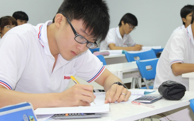 Thầy giáo chỉ ra 9 điều cần nhớ kỹ trước ngày thi tuyển sinh môn Toán lớp 10: Thành bại hay không đều nhờ những điều này cả!