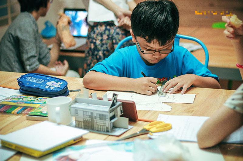 Tổng hợp những lớp học năng khiếu được phụ huynh hai miền đua nhau đăng ký cho con để bồi dưỡng tài năng trong mùa hè này - Ảnh 6.