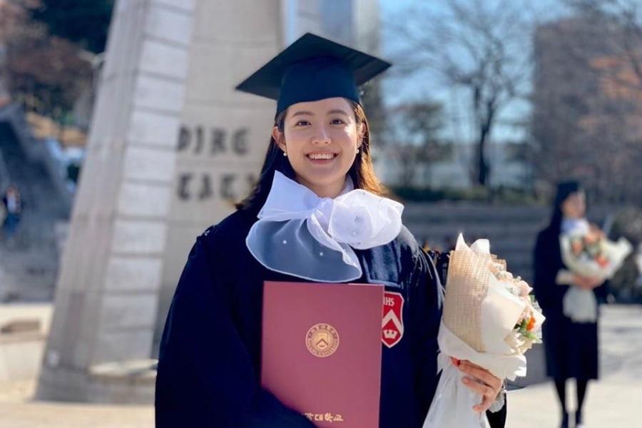 7 sao Hàn giỏi đến mức đứng đầu trường: Học vấn khủng, điểm đại học top toàn quốc, Kim Tae Hee khiến bạn học... phát sợ - Ảnh 1.