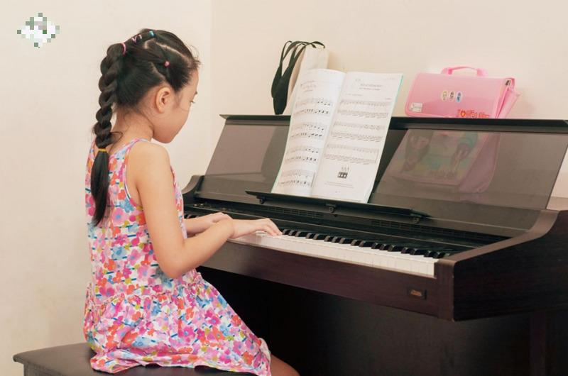 Tổng hợp những lớp học năng khiếu được phụ huynh hai miền đua nhau đăng ký cho con để bồi dưỡng tài năng trong mùa hè này - Ảnh 4.