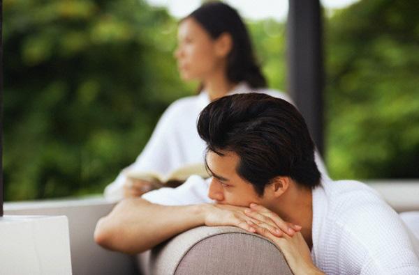 Đang cãi nhau với chồng vì chuyện con không giống bố thì mẹ chồng ập vào nghiêm mặt quát một câu khiến chúng tôi tròn mắt kinh sợ - Ảnh 1.