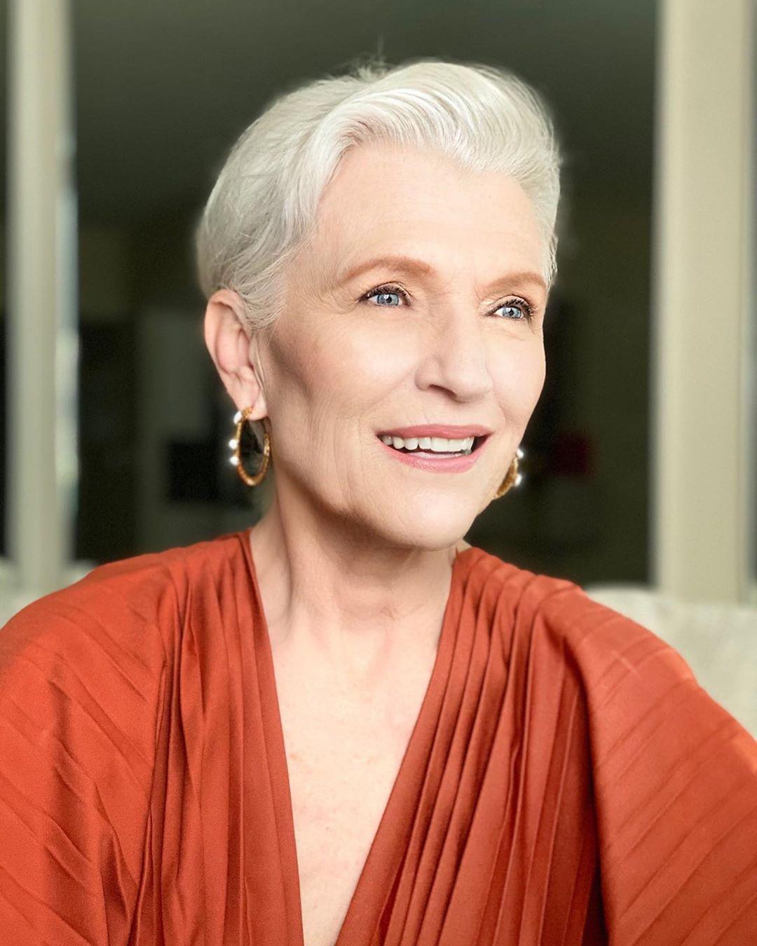 """Cụ bà 72 tuổi chia sẻ 3 bước skincare quan trọng nhất của cuộc đời: """"Mới 15 tuổi, tôi đã biết chống nắng từ đầu tới chân"""" - Ảnh 4."""