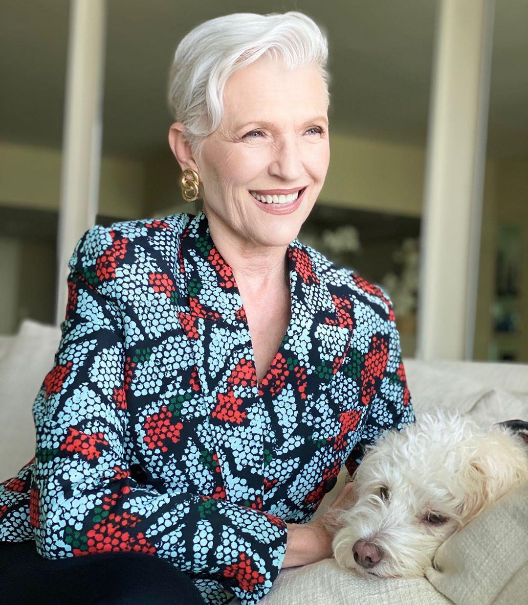 """Cụ bà 72 tuổi chia sẻ 3 bước skincare quan trọng nhất của cuộc đời: """"Mới 15 tuổi, tôi đã biết chống nắng từ đầu tới chân"""" - Ảnh 3."""