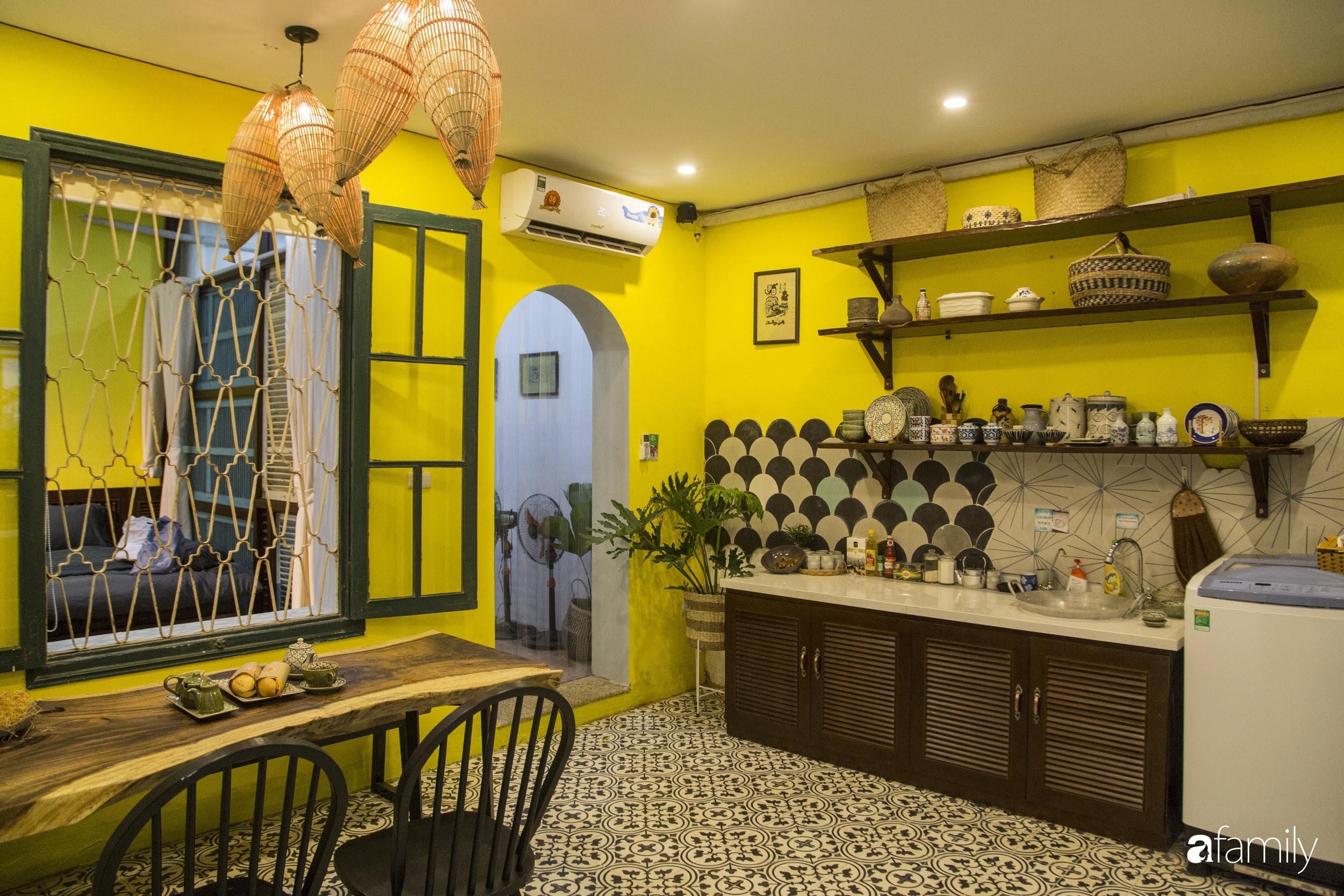 Căn hộ tập thể vàng ươm sắc nắng đẹp mang vẻ hoài cổ ấn tượng ở quận Hoàn Kiếm, Hà Nội - Ảnh 6.