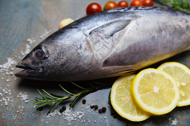 Hải sản là món ăn ưa thích của nhiều người nhưng không phải ai cũng biết cách chọn. Những gợi ý dưới đây sẽ giúp bạn chọn hài sản tươi ngon như dân miền biển chính hiệu. - Ảnh 2.