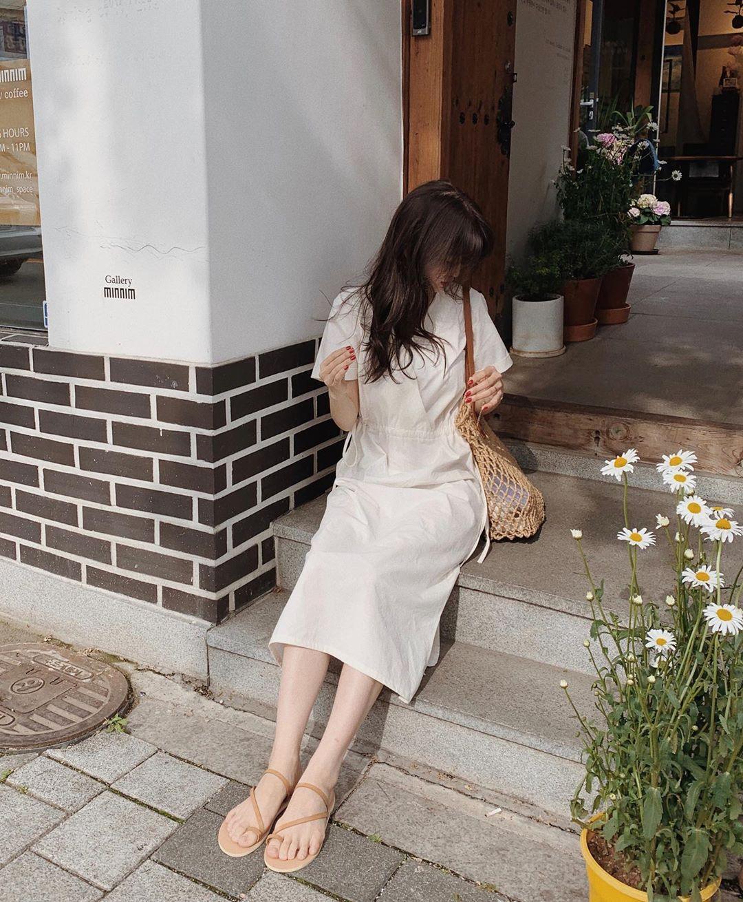 Sáng suốt nhất là tậu hết 5 mẫu váy hot trường tồn với thời gian sau đây, mặc chỉ xịn đẹp trở lên chứ không kém - Ảnh 14.