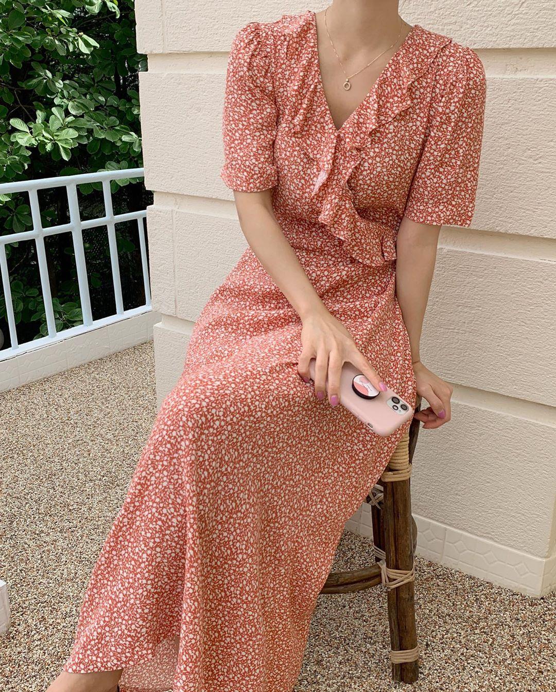 Sáng suốt nhất là tậu hết 5 mẫu váy hot trường tồn với thời gian sau đây, mặc chỉ xịn đẹp trở lên chứ không kém - Ảnh 3.