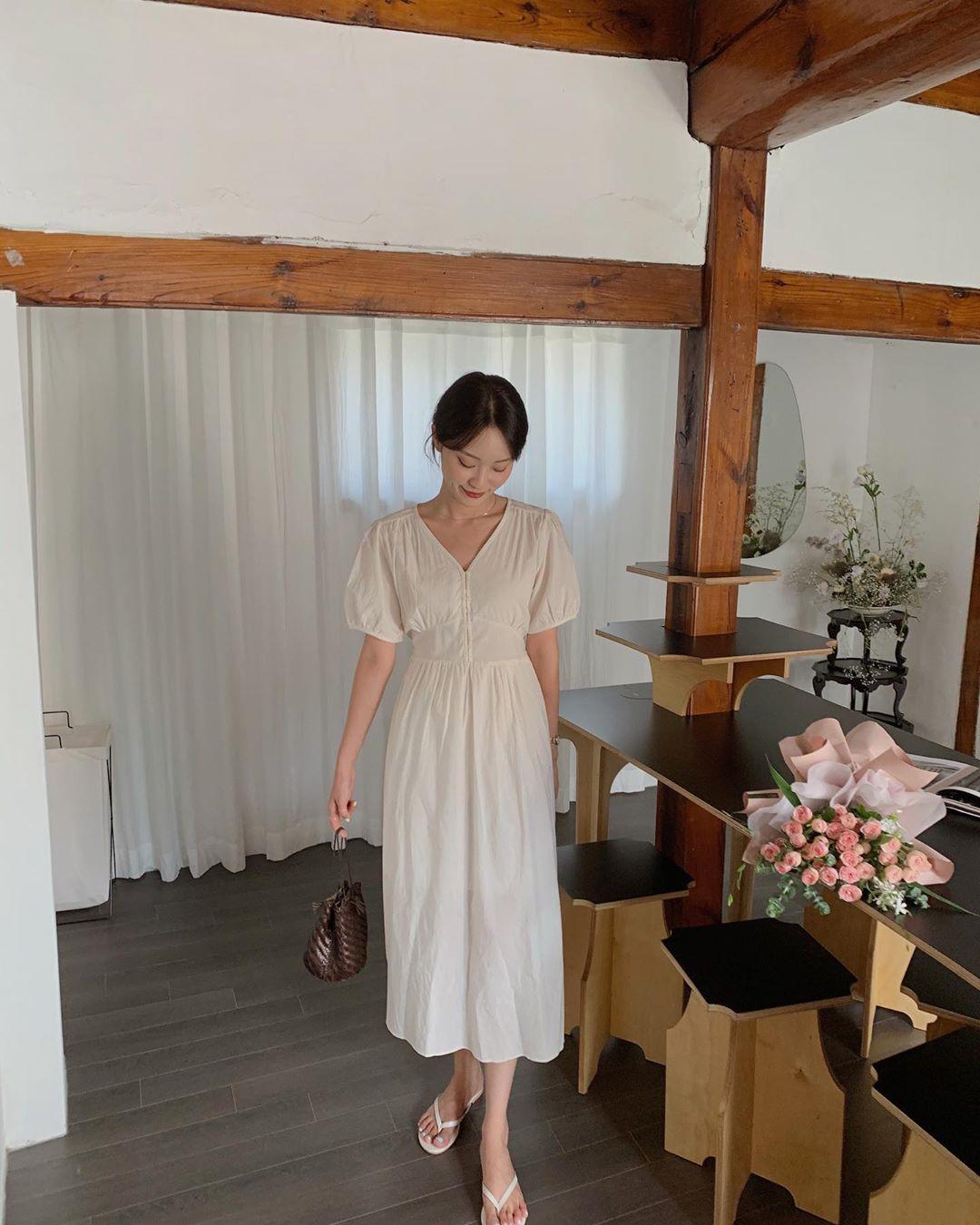 Sáng suốt nhất là tậu hết 5 mẫu váy hot trường tồn với thời gian sau đây, mặc chỉ xịn đẹp trở lên chứ không kém - Ảnh 13.