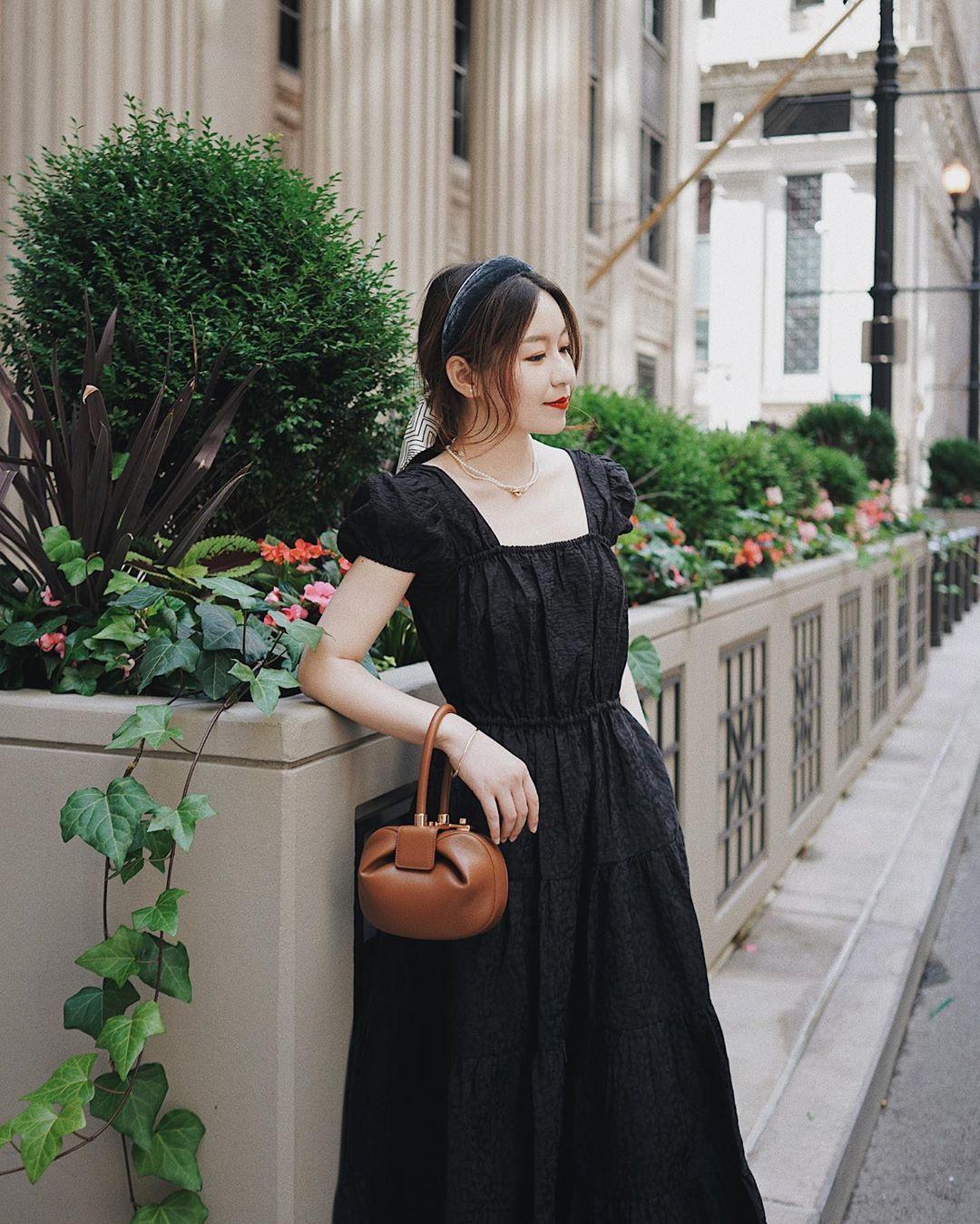 Sáng suốt nhất là tậu hết 5 mẫu váy hot trường tồn với thời gian sau đây, mặc chỉ xịn đẹp trở lên chứ không kém - Ảnh 6.