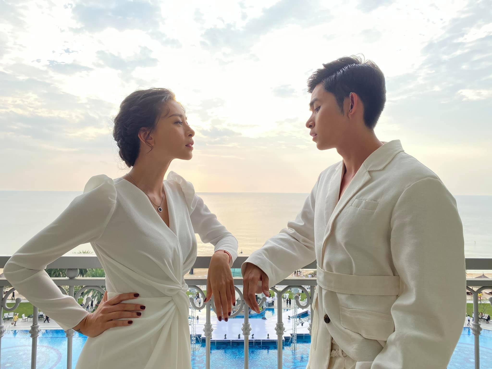 """Tiết kiệm như Ngô Thanh Vân: Chỉ một bộ đầm trắng mà """"đả nữ"""" diện từ ngày cưới em trai đến đám cưới thế kỷ của Nhi - Thắng - Ảnh 7."""