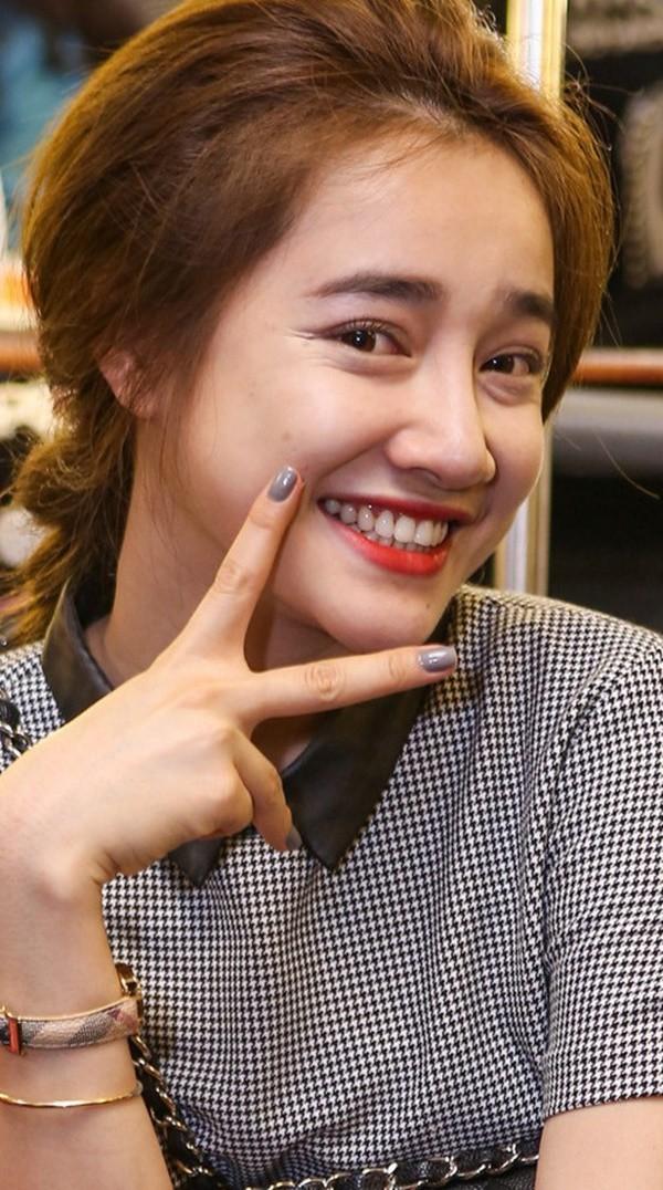 """Dù để tóc """"hack tuổi"""", Song Hye Kyo vẫn lộ dấu hiệu lão hóa rõ rành rành không thể chối cãi - Ảnh 6."""