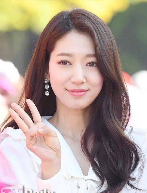 Top mỹ nhân Hàn Quốc có tầm ảnh hưởng nhất trên mạng xã hội Trung Quốc: Vụ ly hôn với Song Joong Ki cũng không giúp Song Hye Kyo vượt qua đàn em này - Ảnh 7.