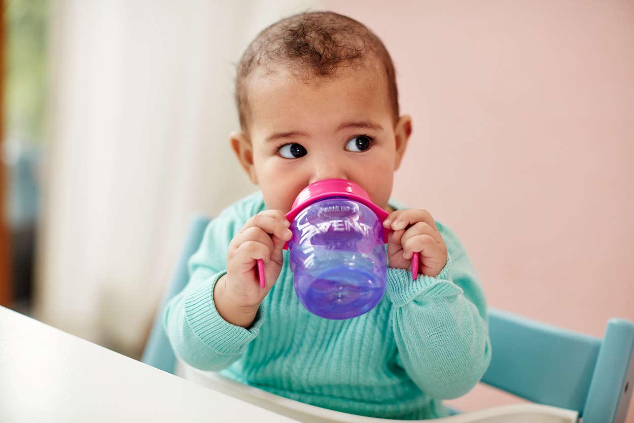 Mách các mẹ những loại cốc tập uống cho bé an toàn, không lo sặc nước - Ảnh 6.