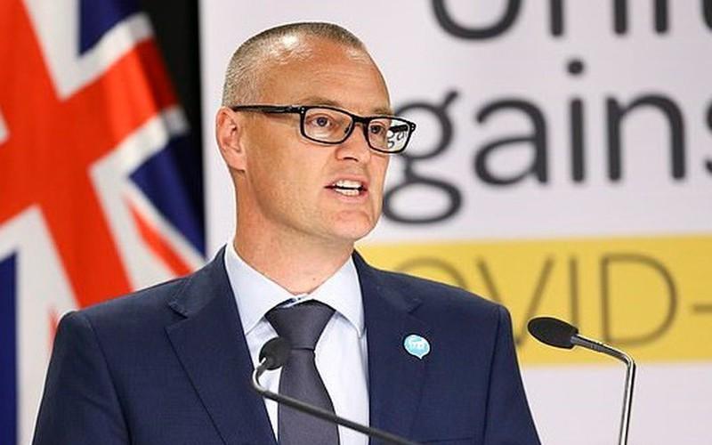 Bộ trưởng Y tế New Zealand từ chức do vi phạm quy tắc về Covid-19 - Ảnh 1.