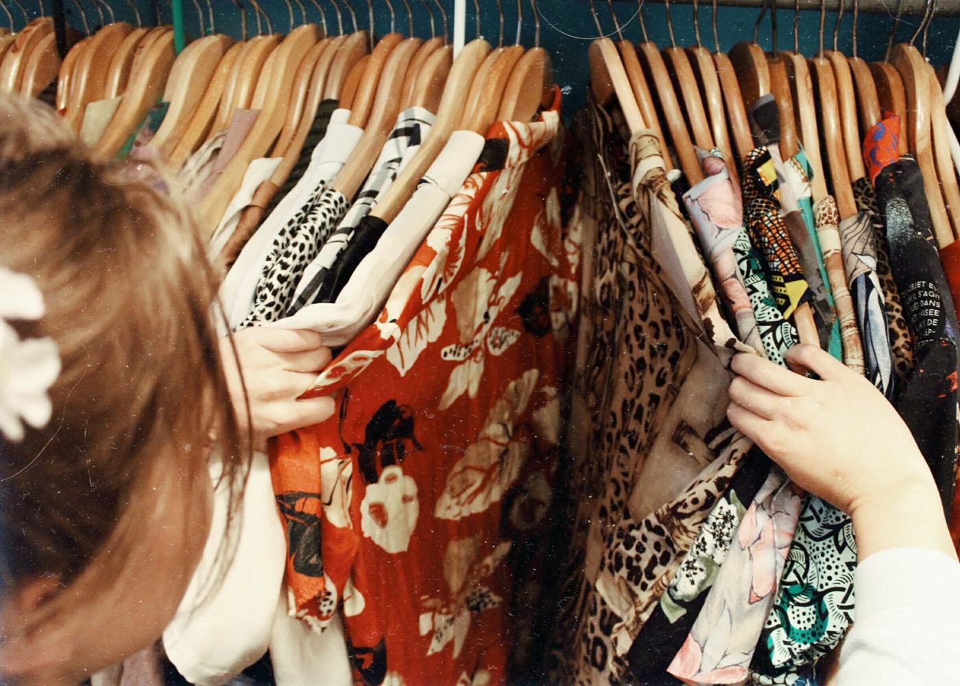 """Theo chân du học sinh 2K người Việt đi mua hàng thùng tại các shop thời trang Úc: Giá """"đắt xắt miếng"""" vì quá nhiều đồ hiệu - Ảnh 4."""