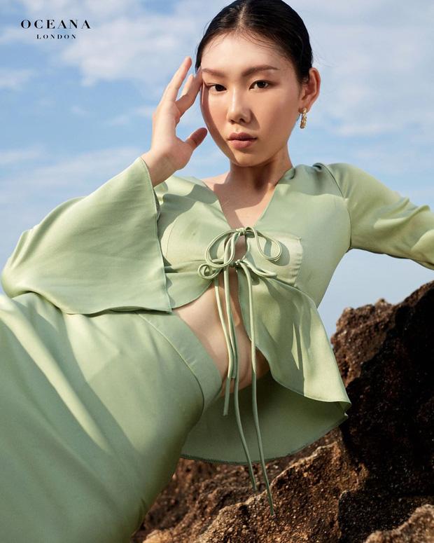 Nhìn Jennie diện crop top buộc dây xinh ngất ngây lại sexy thế này, đảm bảo nàng nào cũng muốn sắm theo - Ảnh 4.