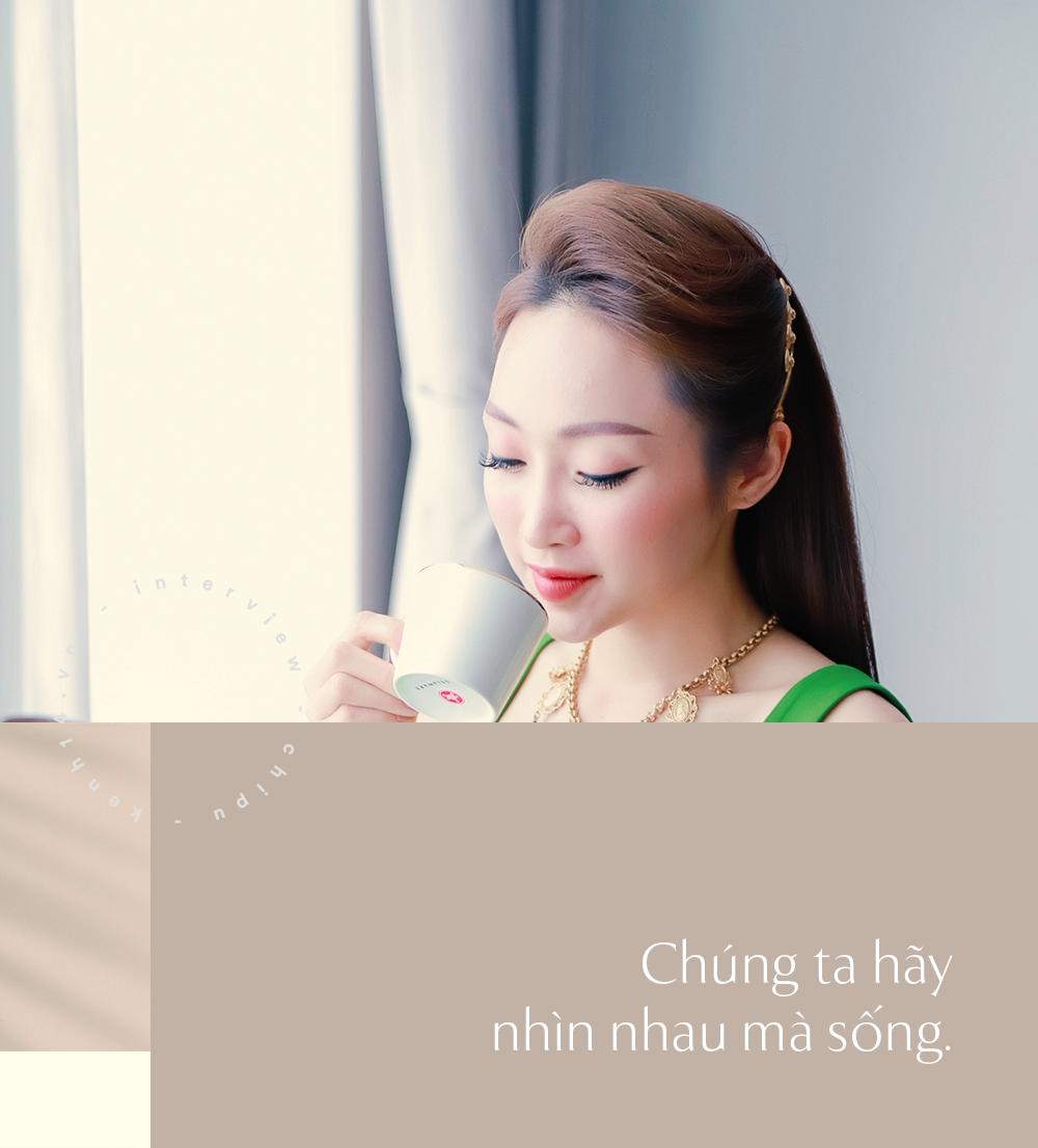 Bạn gái kém 16 tuổi của Chi Bảo lên tiếng về tấm ảnh chụp cùng vợ cũ của bạn trai: Chị Loan ở ngoài rất đẹp, chỉ là hôm ấy chưa makeup mà thôi - Ảnh 2.