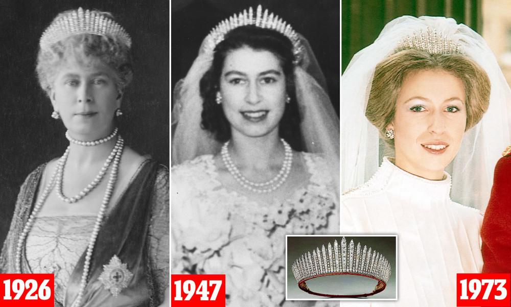 """Công chúa Beatrice tiết kiệm nhất Hoàng gia Anh: Váy cưới may lại từ váy của """"bà nội"""" từng diện từ 60 năm trước, đến vương miện cũng đi mượn - Ảnh 5."""