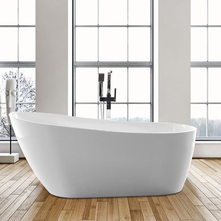 Mẹo nhỏ siêu thú vị giúp biến bất kỳ phòng tắm nhỏ nào thành spa thư giãn mùa hè - Ảnh 3.