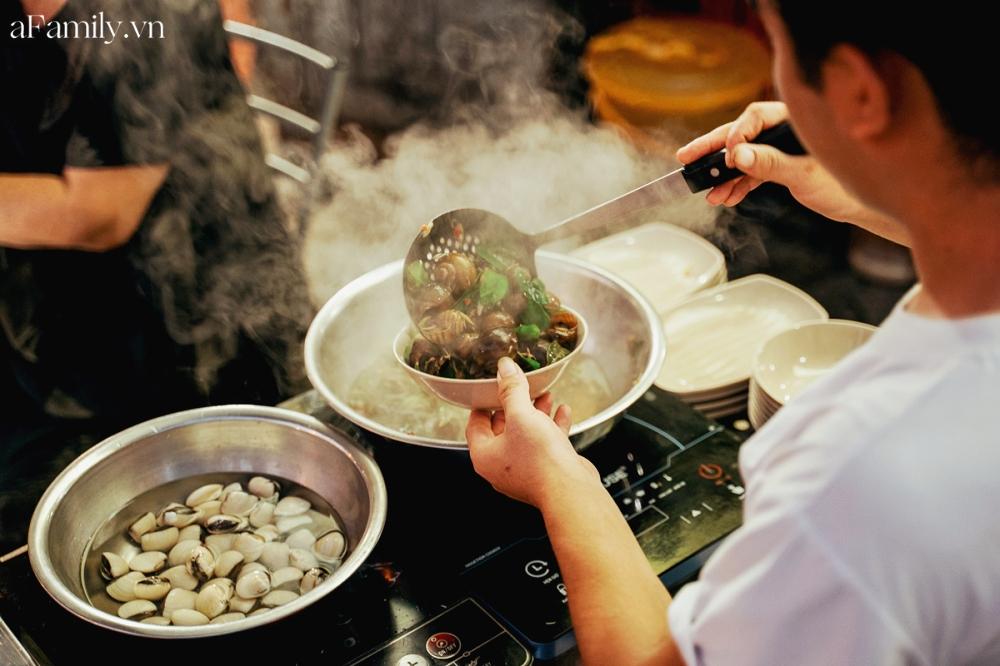 """3 hàng ốc hải sản vừa ngon vừa bình dân ở Hà Nội giúp chị em """"đổi gió"""" chỉ với 300k, chẳng cần ra tận biển cũng thỏa đam mê ăn uống - Ảnh 11."""