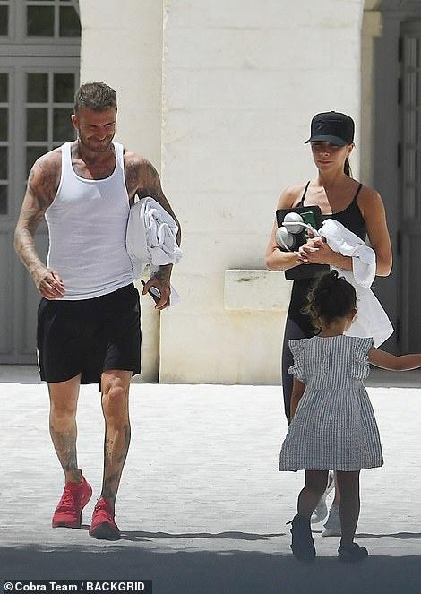 """Không chỉ tặng quà cưới """"khủng"""", vợ chồng Beckham còn đối xử với con dâu tỷ phú thế này đây - Ảnh 10."""