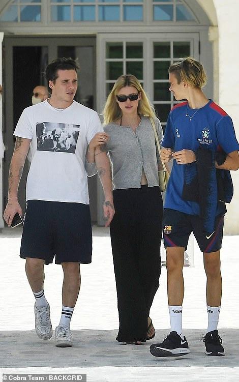 """Không chỉ tặng quà cưới """"khủng"""", vợ chồng Beckham còn đối xử với con dâu tỷ phú thế này đây - Ảnh 5."""