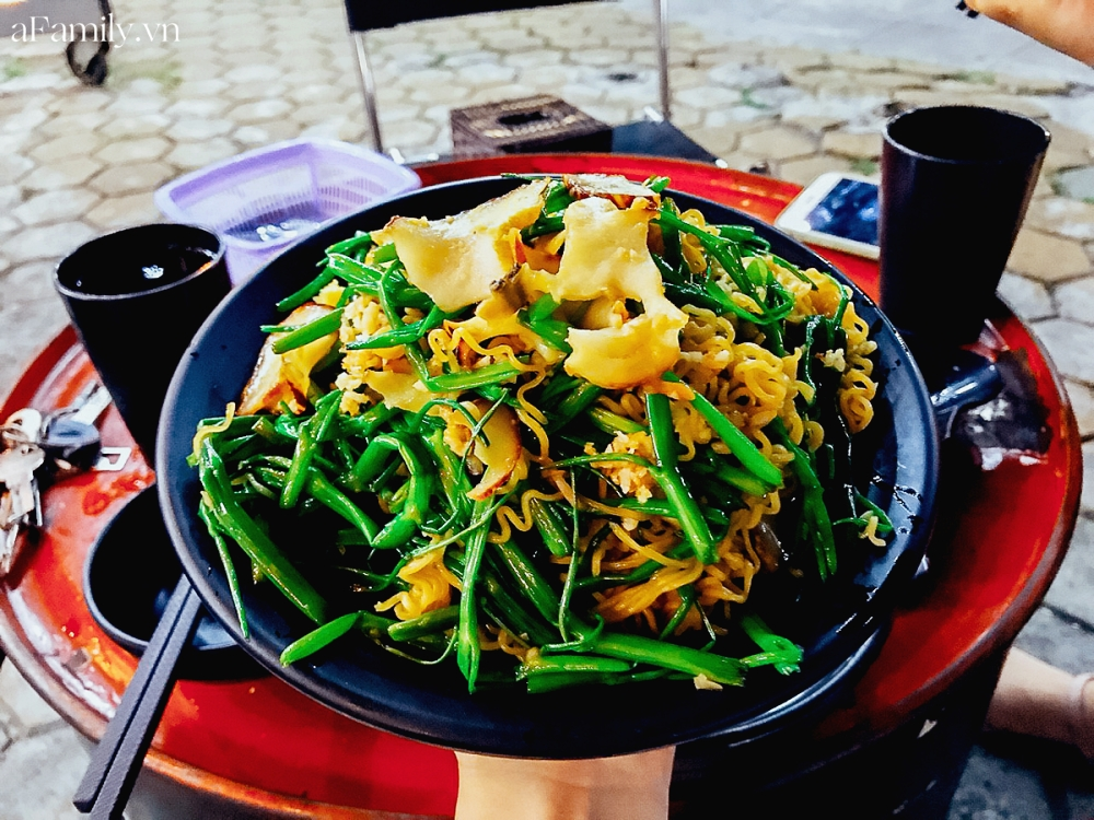 """3 hàng ốc hải sản vừa ngon vừa bình dân ở Hà Nội giúp chị em """"đổi gió"""" chỉ với 300k, chẳng cần ra tận biển cũng thỏa đam mê ăn uống - Ảnh 21."""