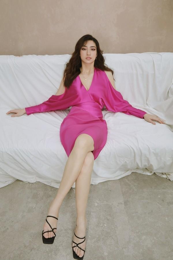 Cùng 1 bộ váy: Lạn Ngọc rất xinh nhưng có phần kém sexy so với Lương Thùy Linh, Hoàng Thùy vì khoản tạo dáng thông minh - Ảnh 3.