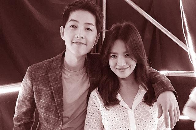 Tròn 1 năm kể từ ngày tòa án công bố Song Hye Kyo - Song Joong Ki chính thức hoàn tất thủ tục ly hôn fan hâm mộ lại đồng loạt kêu gọi điều này  - Ảnh 4.
