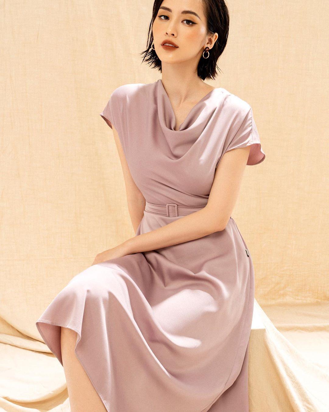 Hồng Diễm lên đồ đi du lịch với toàn món hot trend nhưng vẫn để lọt một bộ đầm tím sến súa làm tụt điểm phong cách - Ảnh 5.