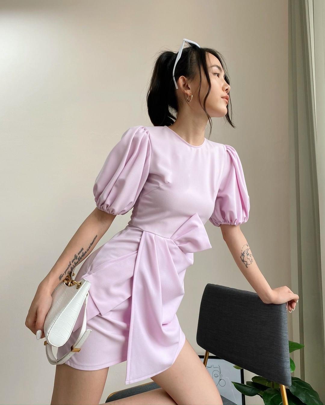 Hồng Diễm lên đồ đi du lịch với toàn món hot trend nhưng vẫn để lọt một bộ đầm tím sến súa làm tụt điểm phong cách - Ảnh 11.