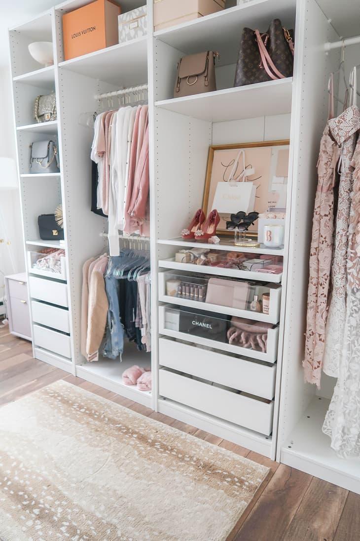 8 không gian làm việc lý tưởng để bố trí thêm tủ đồ giúp nhà gọn gàng và thuận tiện khi sử dụng - Ảnh 2.