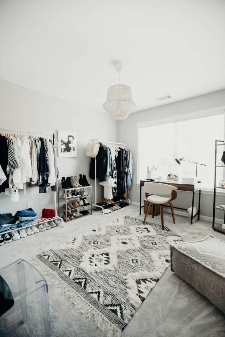 8 không gian làm việc lý tưởng để bố trí thêm tủ đồ giúp nhà gọn gàng và thuận tiện khi sử dụng - Ảnh 5.