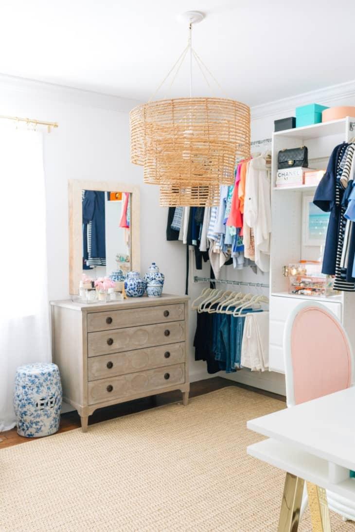 8 không gian làm việc lý tưởng để bố trí thêm tủ đồ giúp nhà gọn gàng và thuận tiện khi sử dụng - Ảnh 6.