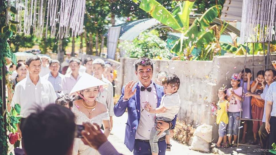 Những hình ảnh trong đám cưới.