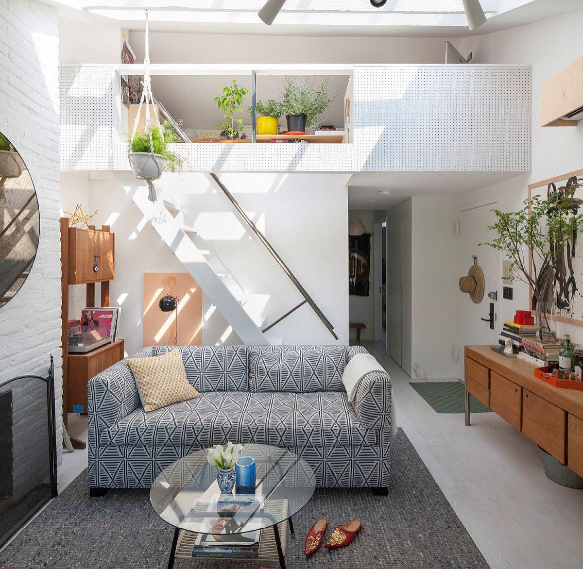 Phòng khách nhỏ xíu vẫn đẹp hoàn hảo nhờ kinh nghiệm lựa chọn sofa phù hợp - Ảnh 12.