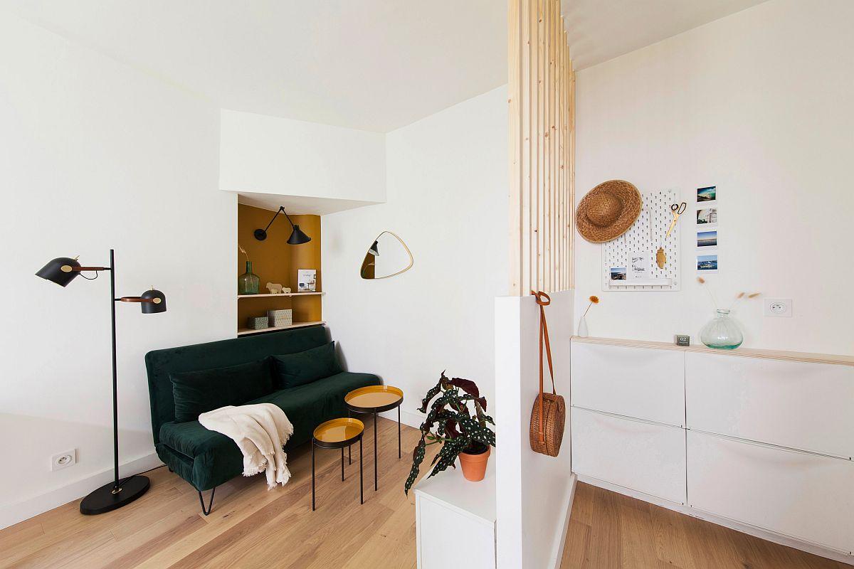 Phòng khách nhỏ xíu vẫn đẹp hoàn hảo nhờ kinh nghiệm lựa chọn sofa phù hợp - Ảnh 2.