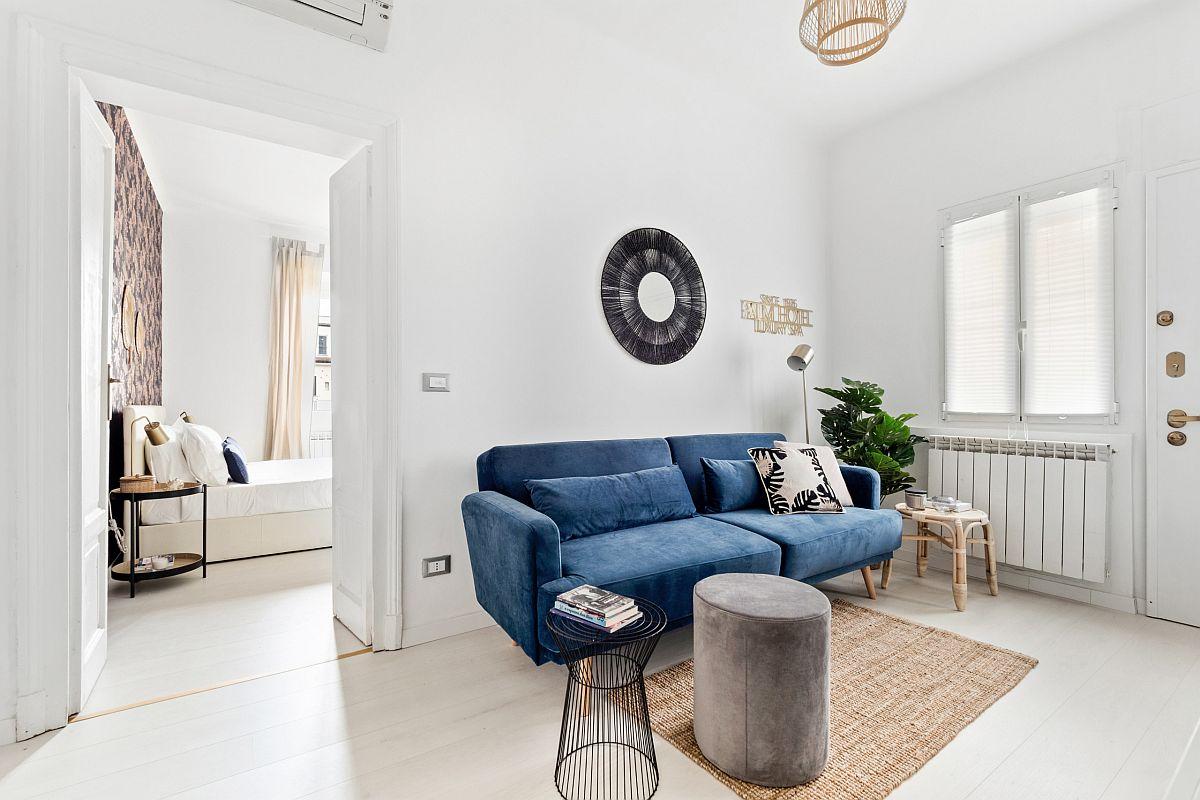 Phòng khách nhỏ xíu vẫn đẹp hoàn hảo nhờ kinh nghiệm lựa chọn sofa phù hợp - Ảnh 4.