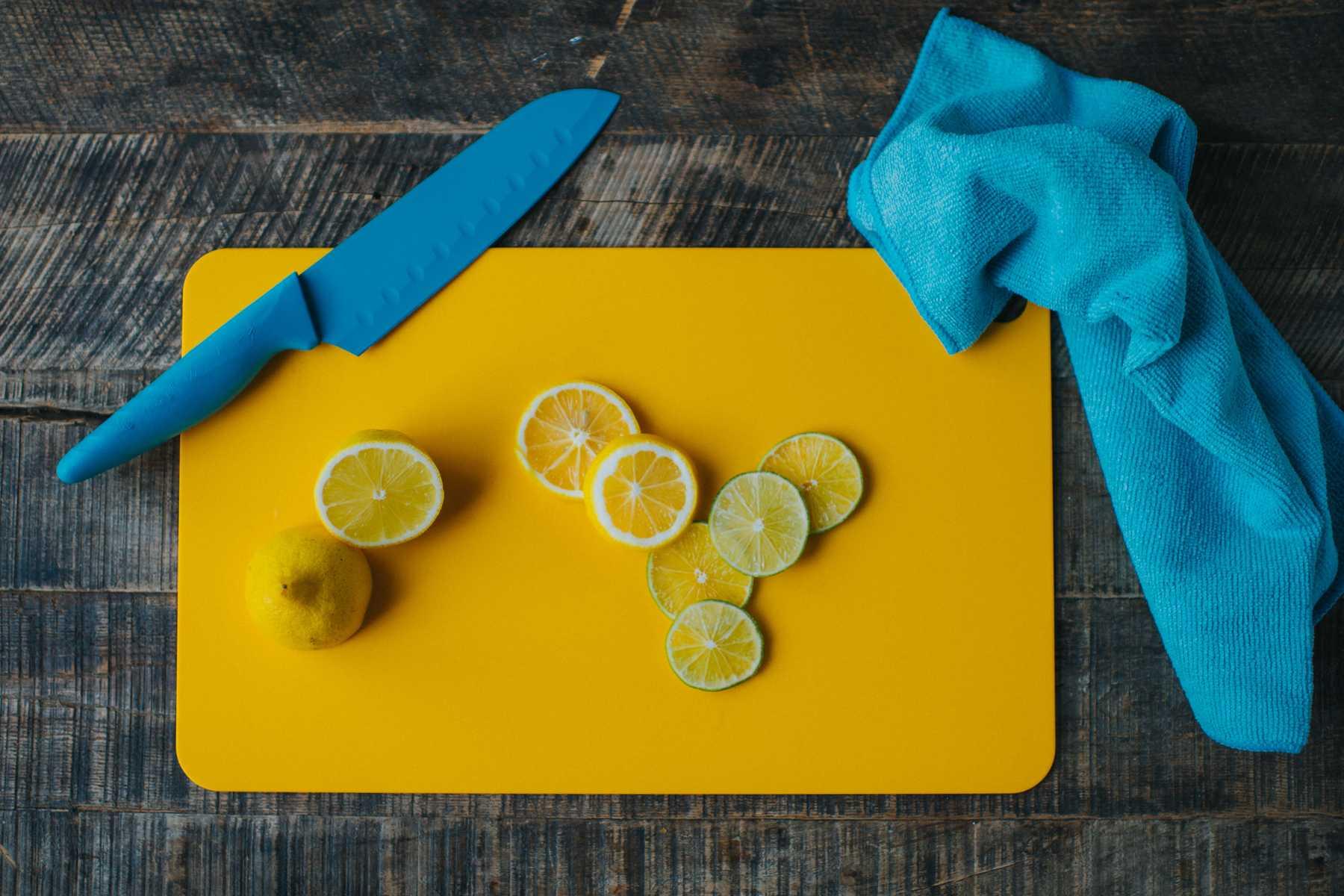 Nấu ăn mà bị vết nghệ dính trên tay thì trông ghê lắm, học ngay mẹo này để tẩy sạch bay! - Ảnh 7.
