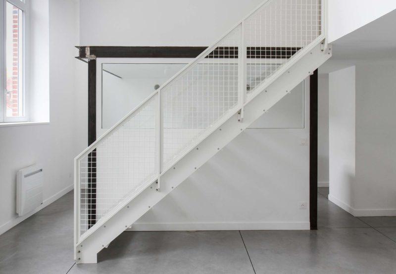 Những ý tưởng thông minh và sáng tạo thiết kế cầu thang cho gác xép nhỏ - Ảnh 1.