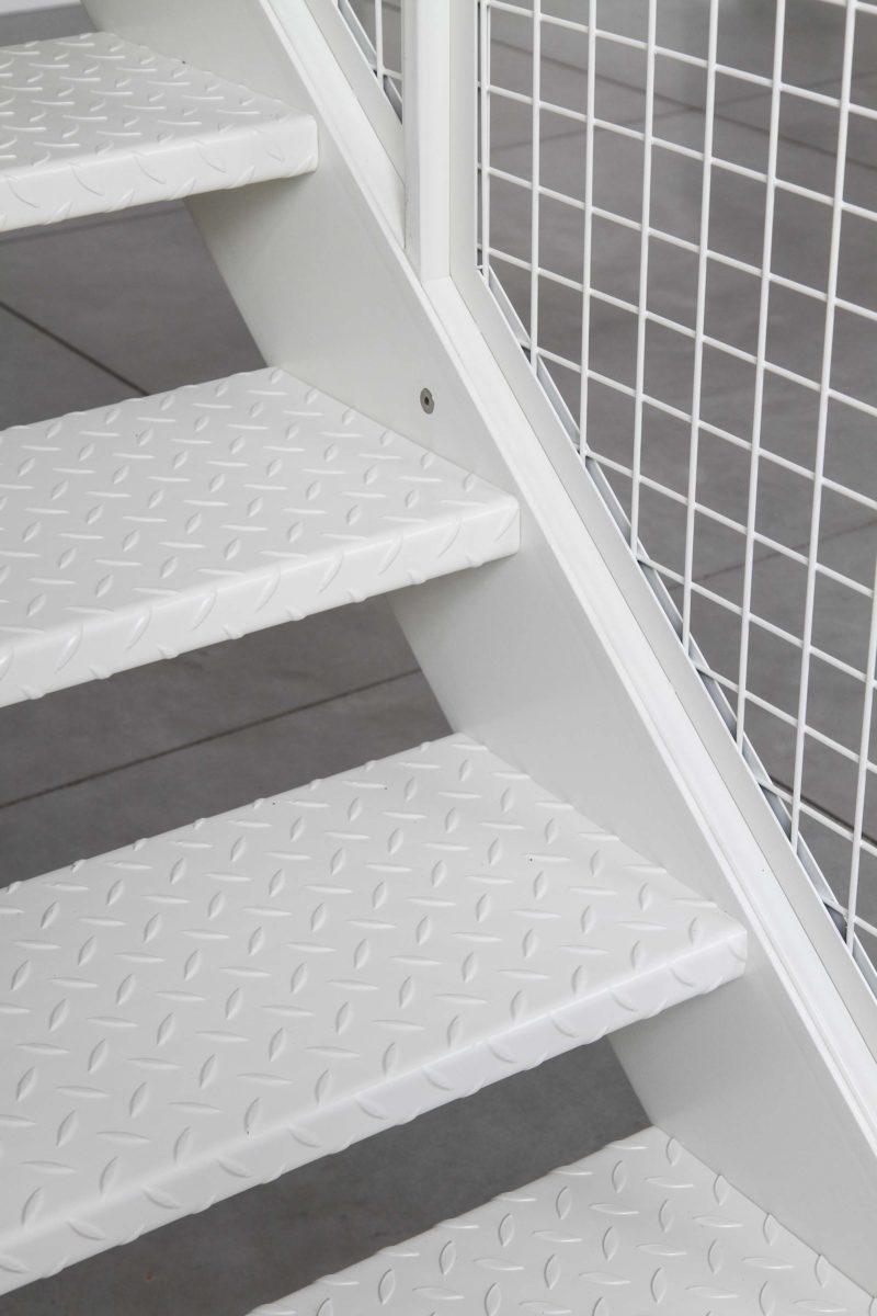 Những ý tưởng thông minh và sáng tạo thiết kế cầu thang cho gác xép nhỏ - Ảnh 2.