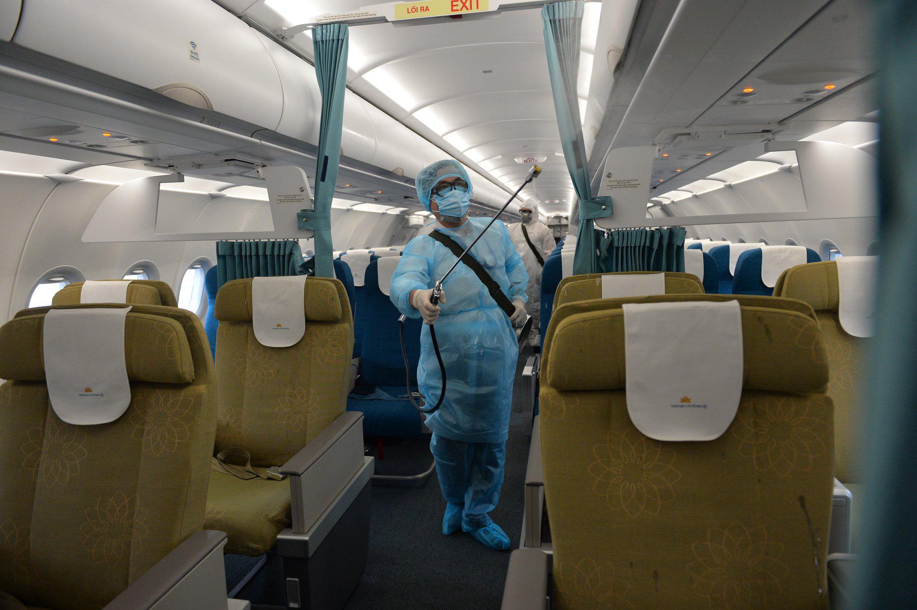 Vietnam Airlines tăng chuyến, điều chỉnh bổ sung máy bay thân rộng phục vụ hỗ trợ hành khách đến và đi từ Đà Nẵng - Ảnh 1.