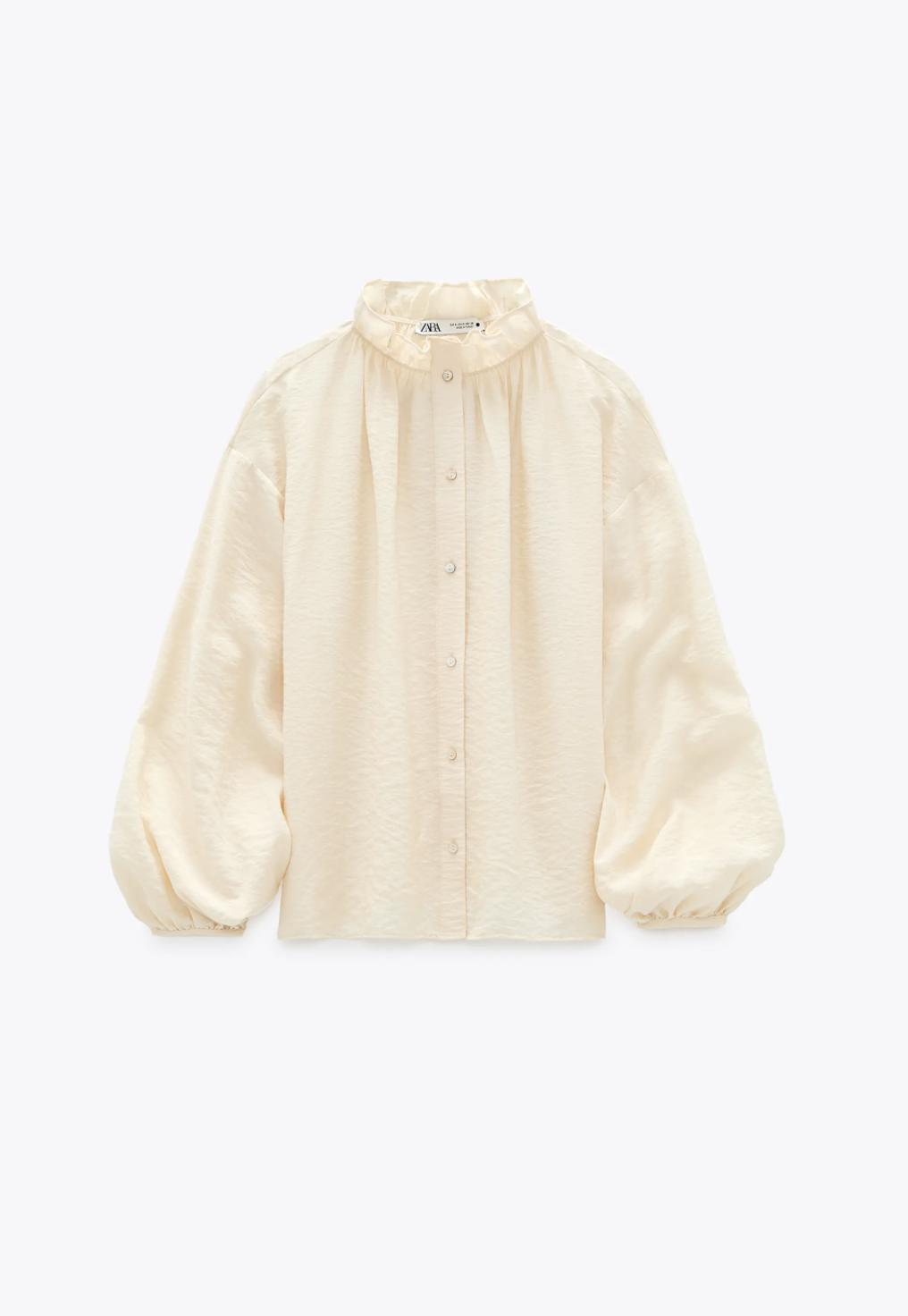 """Cùng diện áo blouse bánh bèo: Lisa """"dừ"""" hơn bình thường, Seo Ye Ji dịu dàng sang chảnh  - Ảnh 17."""