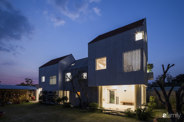 """Nhà ngoại ô ở ngoại ô Sài Gòn """"góp nhặt"""" tất cả vẻ đẹp của kiến trúc đương đại - Ảnh 1."""