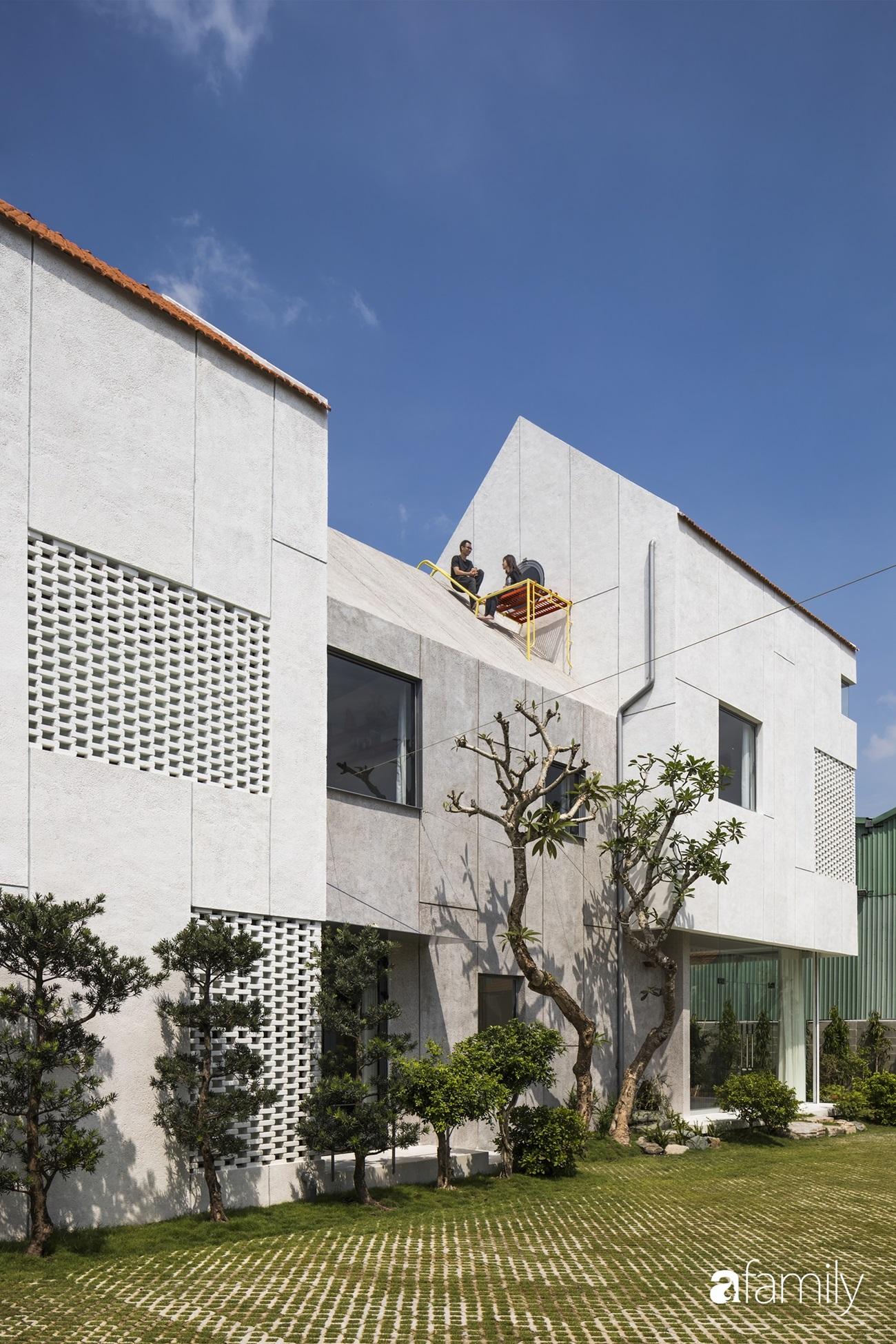"""Nhà ngoại ô ở ngoại ô Sài Gòn """"góp nhặt"""" tất cả vẻ đẹp của kiến trúc đương đại - Ảnh 3."""